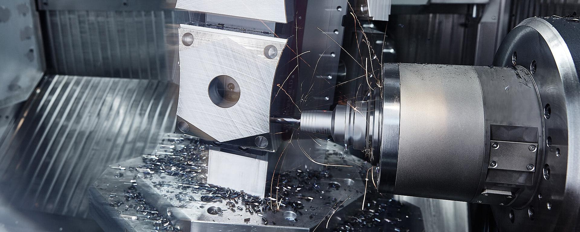 Die Werkzeugmaschine wird hier als Anwendungsbeispiel für Feintechnik gezeigt.